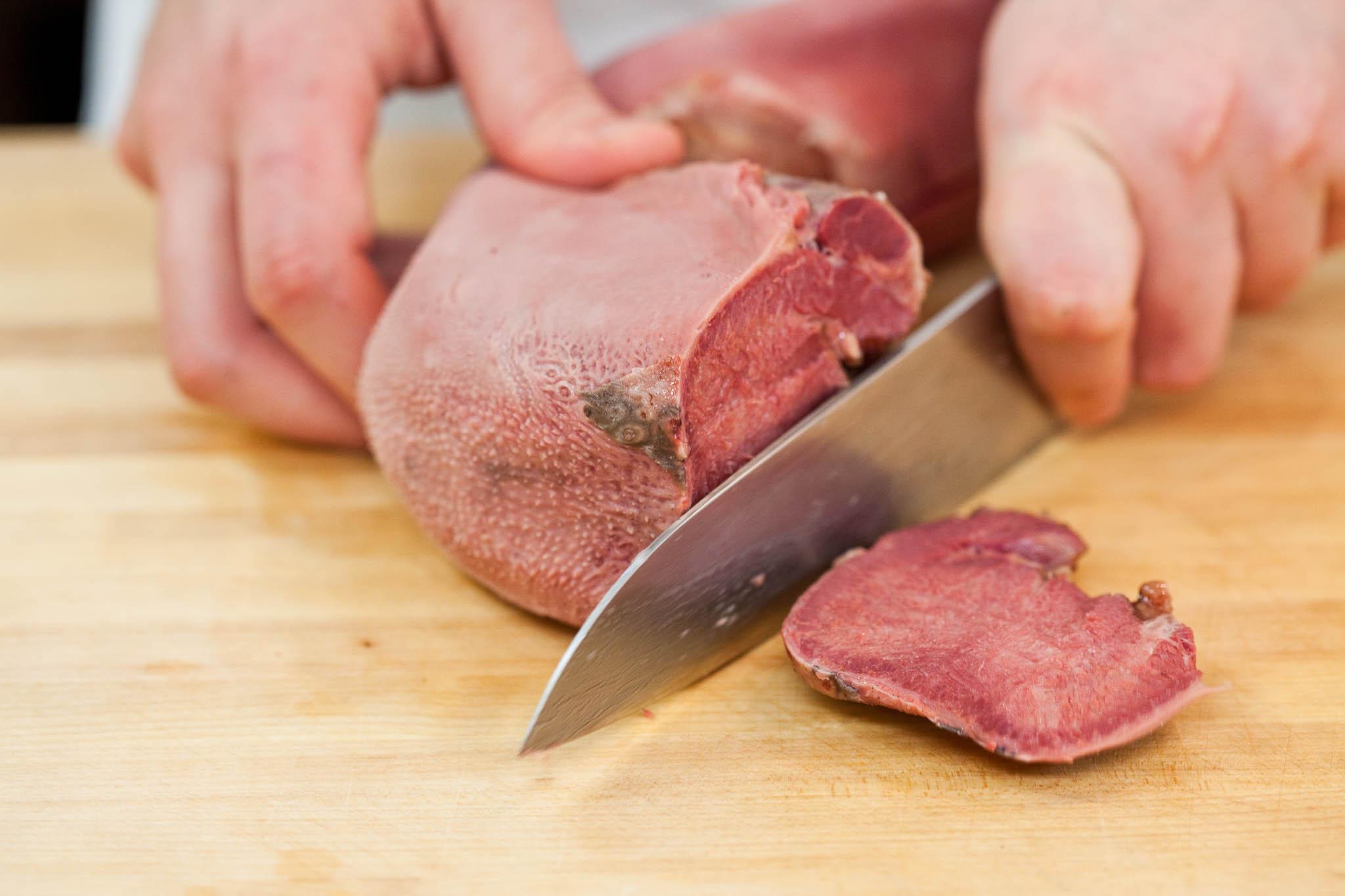 Как отличить говяжий язык от свиного фото